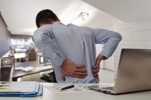 nguyên nhân gây đau lưng dưới maple healthcare