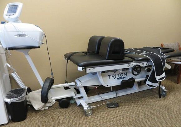 Máy giảm áp cột sống DTS giúp giảm thoát vị đĩa đệm, đau lưng và đau cổ nhanh chóng, hiệu quả và an toàn