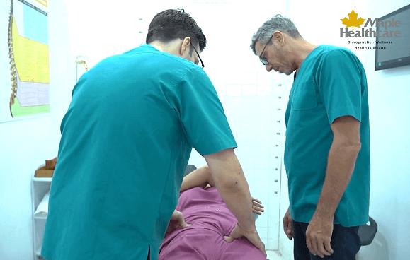 điều trị biến chứng thoát vị đĩa đệm tại Maple Healthcare